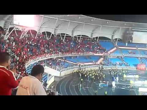 Video: Hinchas de América generan disturbios en partido contra Bucaramanga