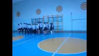 Строевая подготовка, выступление 5 Б класса(19 февраля прошел школьный смотр строя и песни., 2013-02-20T17:23:26.000Z)