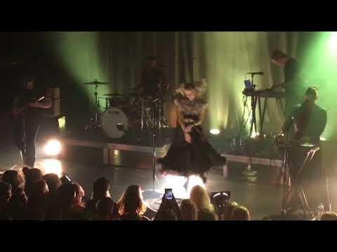 Aurora - Animal - Live at the Melkweg OZ