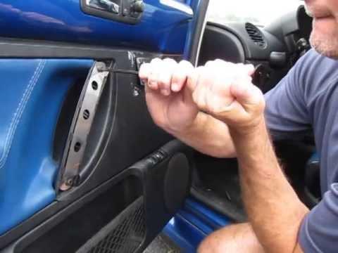 Repairing a broken New Beetle door handle with Dieselgeek Beetlebrace