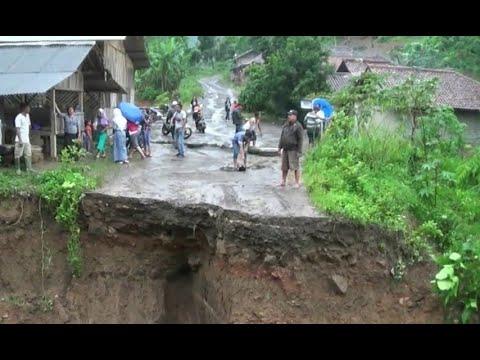 Jembatan Utama Rusak, 3 Desa dan 2 Kecamatan Terisolasi Mp3