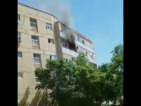 Горит квартира в76 доме 27 района Актау 1