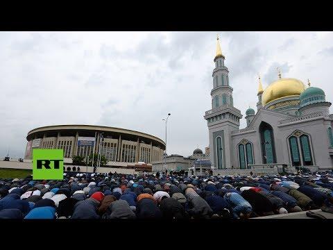 Millones de musulmanes rusos celebran final del mes de Ramadán