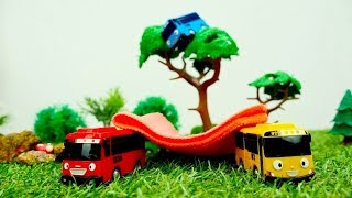 Tayo the little bus - Kids' video with toy buses thumbnail