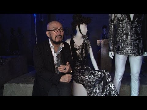 S. Korea fashion designer displays new collection
