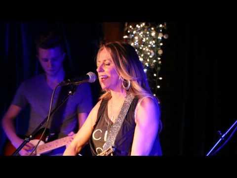 Deana Carter - Strawberry Wine, Live