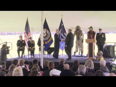 Navy divers receive POW Medal, 30 years after hijacking