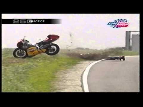 Jamie Robinson - 250cc Practice Crash - Phillip Island 2000