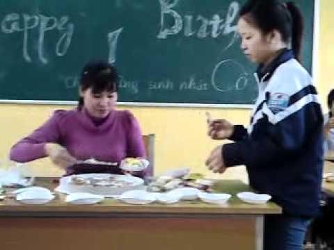 Sinh Nhật Cô Dung ( Chủ nhiệm 12k THPT Kim Thành II).mp4
