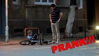 Padamo sa bicikle | PRANK !!!