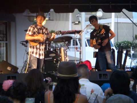 Jake Shimabukuro's new album released Party , Ukulele Live Show Part 3. ( July 17, 2011)