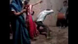 Whatsapp Funny Dance Video - Indian Boy Mad Dance Never Seen Before