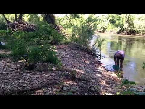 Gold panning, prospecting an old river channel 2015 HD orpaillage