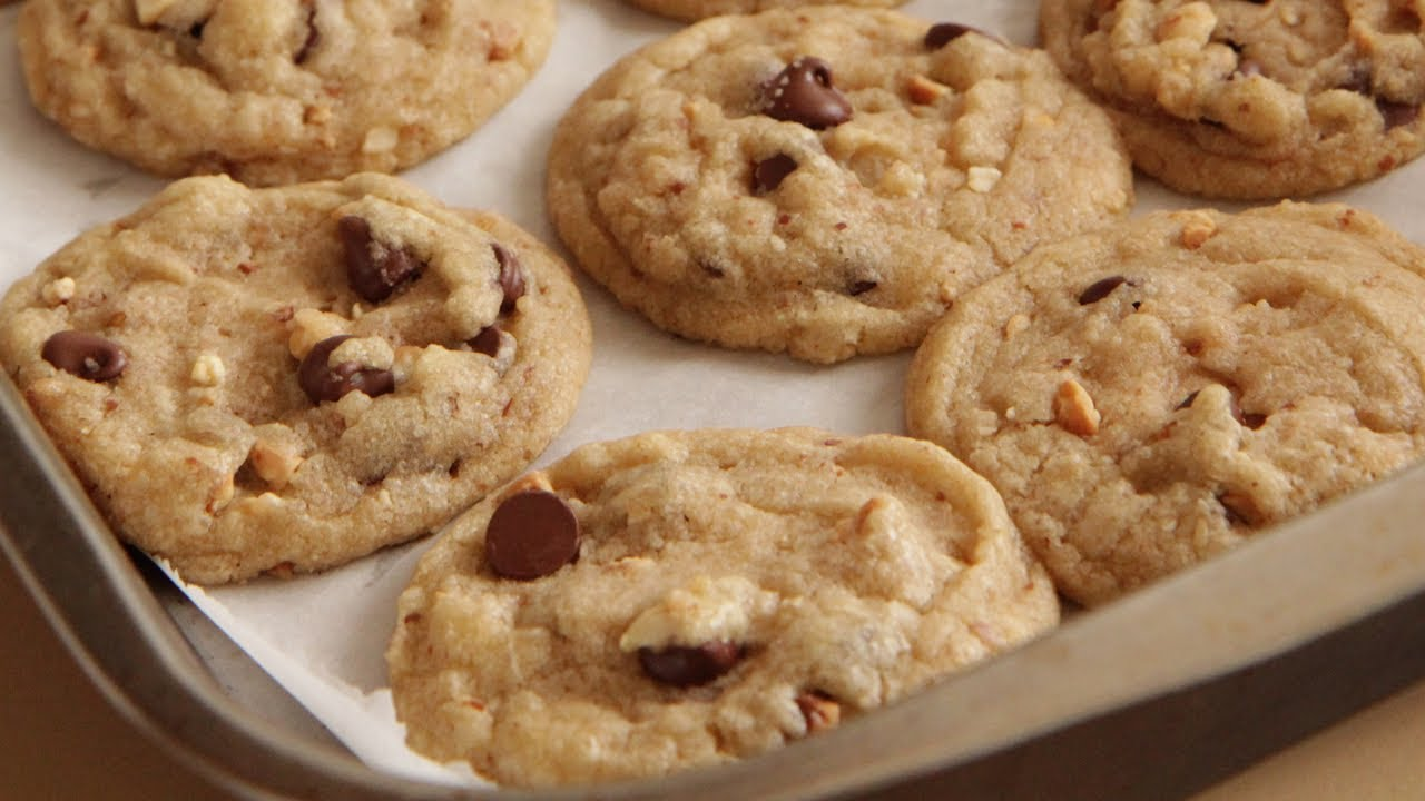 Chocolate Chip-Peanut Cookies Recipe - Southern Queen of Vegan Cuisine 5/328 - YouTube