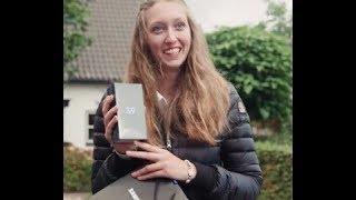 видео Samsung высмеивает Apple iPhone в новых рекламных роликах
