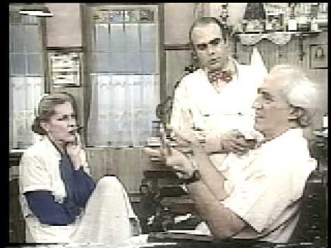 Zé Celso faz a barba com Cacá Rosset - TV Manchete - Cadeira de Barbeiro