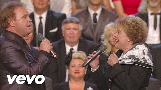Bill & Gloria Gaither - In the Sweet By and By [Live] ft. Jeff & Sheri Easter