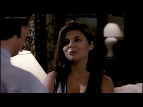 Tiffani Thiessen as Valerie in Beverly Hills 90210! (Season 5)