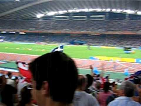 Athens 2004, 100m stadium warm up with Zorba