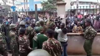 Raila at Milimani courts for the hate speech case