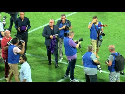 Fatih Terim'e Fiorentina taraftarlarının ilgisi büyük oldu