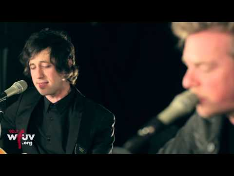 "Greg Holden - ""Hold On Tight"" (Live at WFUV)"