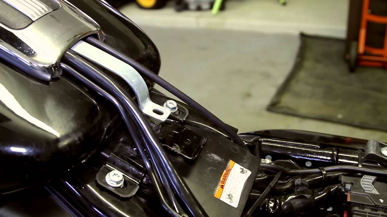Exposing the Wiring and the Battery on a 2011 Harley