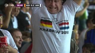 Deutschland-Fan jubelt beim 2:0 gegen die Niederlande (EM 2012)