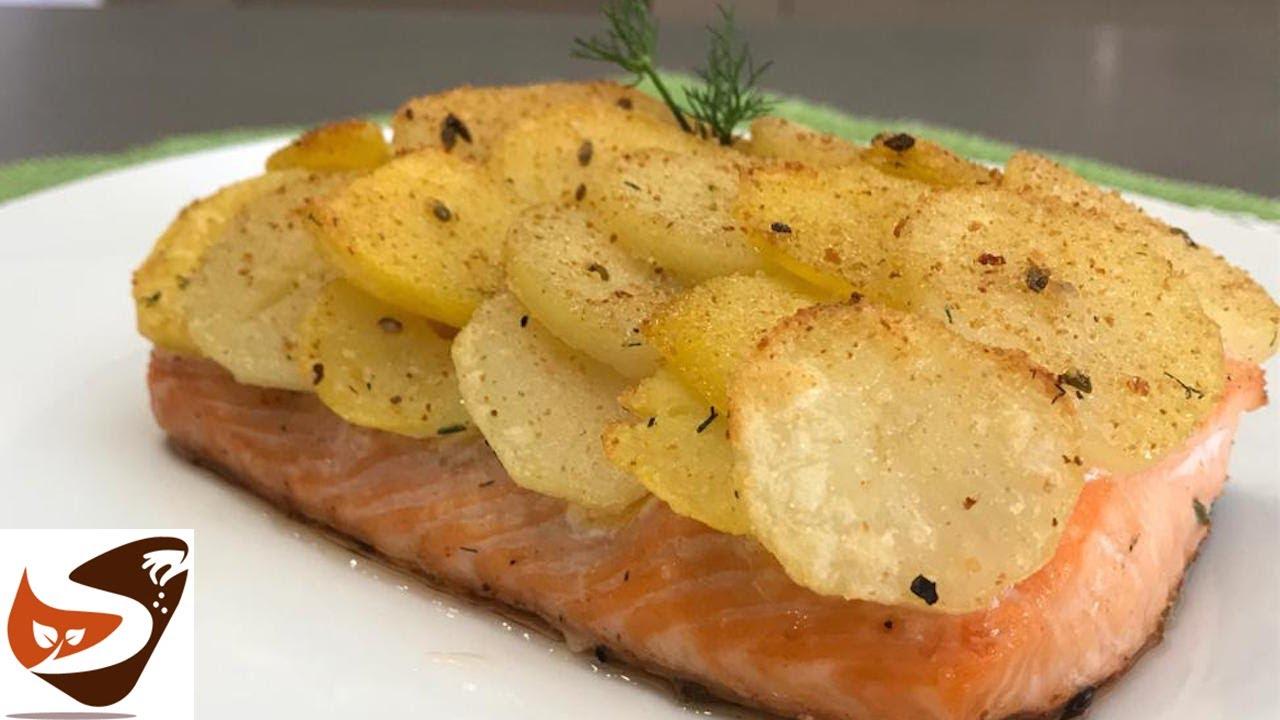 Ricetta Salmone Con Patate Al Forno.Salmone Al Forno Con Patate Croccanti Gustoso Facile E Veloce Secondi Di Pesce Youtube