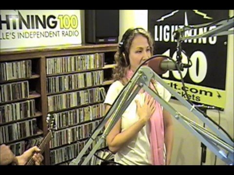 Joan Osborne - Little Wild One - Live at the Lightning 100 studio