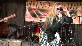 SundayGirl (Blondie tribute band) - One Way or Another - live
