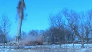 Wyburzanie komina przemysłowego w Środzie Wielkopolskiej - firma Leviatan