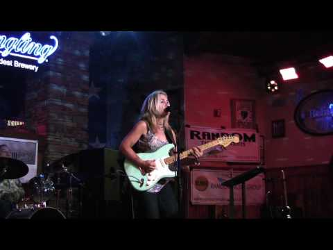 "The Guitar Show ... live! Featuring Lauren Ellis & band with ""Roll On"""