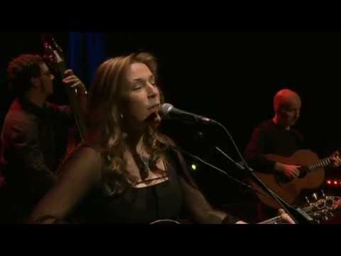 Kieran Goss and Beth Nielsen Chapman - 'Sand and Water' (Live at The Grand Opera House, Belfast)