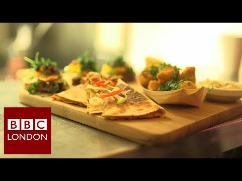 Vegan pub in Hackney – BBC London News