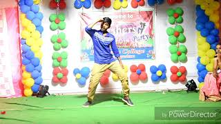 Uppenantha ee Premaki & Remix songs dance by Kishore at Prakasam college fresher's party