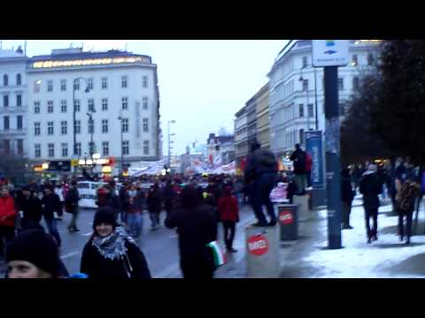 Vienna: Students demonstrate against University System (Part 1)