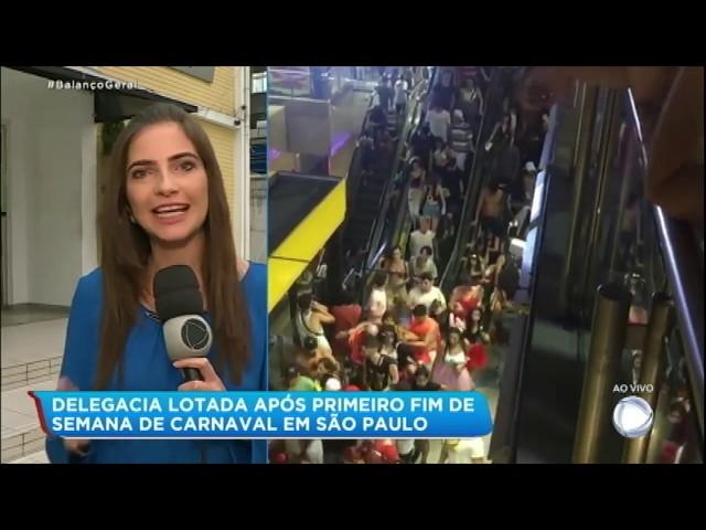 Saída de blocos de Carnaval é marcada por tumulto no metrô de SP
