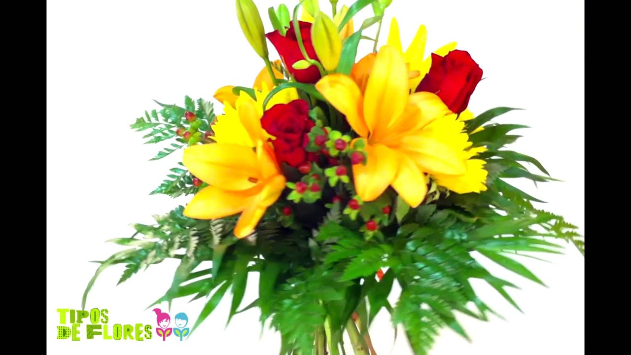 ramo de flores naranja amarillas y rojas
