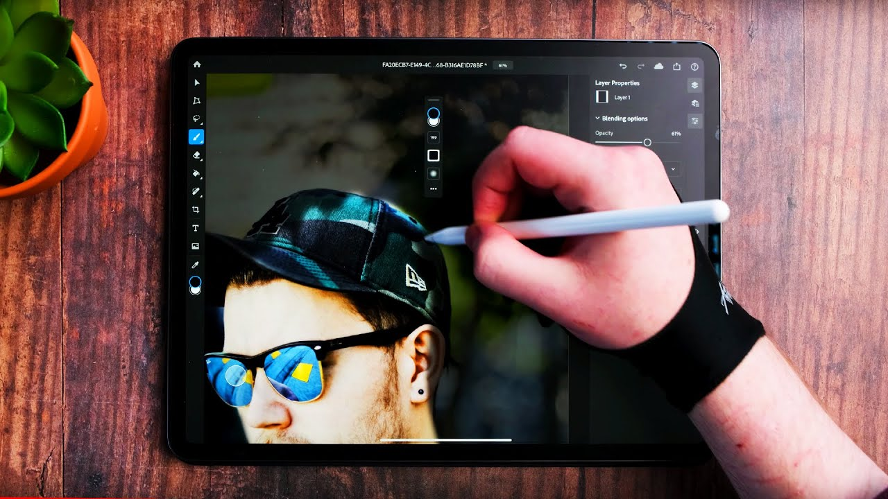 A Designers Review Of Adobe Photoshop On The iPad Pro  😎