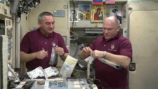 Our space Breakfast - how cosmonauts eat in Space // Space Food //