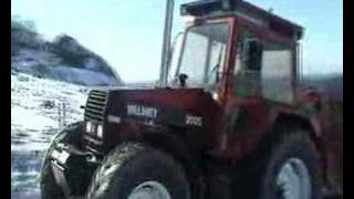 Valmet 2005 pulling uphill in Norway