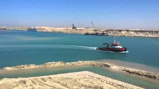 شاهد فيديو حصرى للملاحة بقناة الاتصال وقناة السويس الجديدة بين جبال سيناء