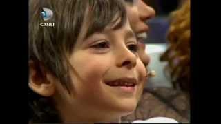 Minik Osman Beyaz Show'u Salladı (Beyaz Show 04.05.2012)