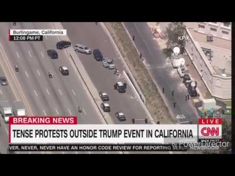 Donald Trump walks into event with Goldberg's theme