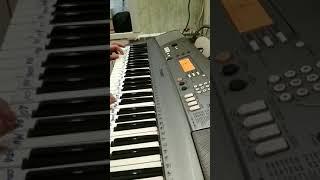Рюмка водки на синтезаторе
