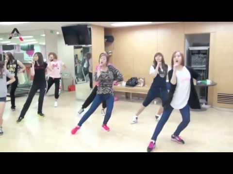 OFFICIAL A Pink   HUSH Points With The Teacher To Choreograph Dance Practice