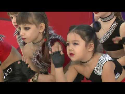 Танцевальная группа 'Cosmostars'