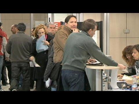 Spanish unemployment rises again as summer tourist boom ends