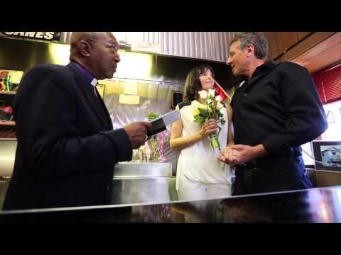 dating a wedding photographer